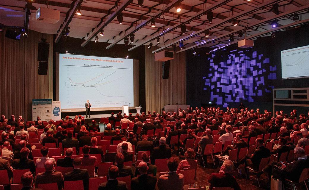 Panorama-Blick beim Vortrag von Martin Lück
