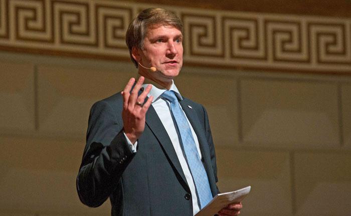 Der VuV-Vorstandsvorsitzende Andreas Grünewald eröffnet die Veranstaltung.