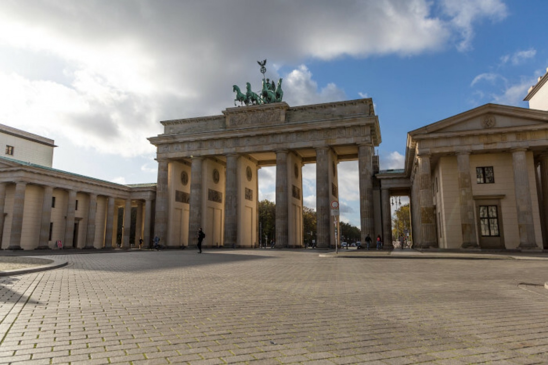 Brandenburger Tor, eines der Wahrzeichen Berlins: Die Bundeshauptstadt gilt zwar nicht als Finanzhochburg, dennoch haben einige Vermögensveralter hier ihren Sitz, wie etwa die Sigavest Vermögensverwaltung.