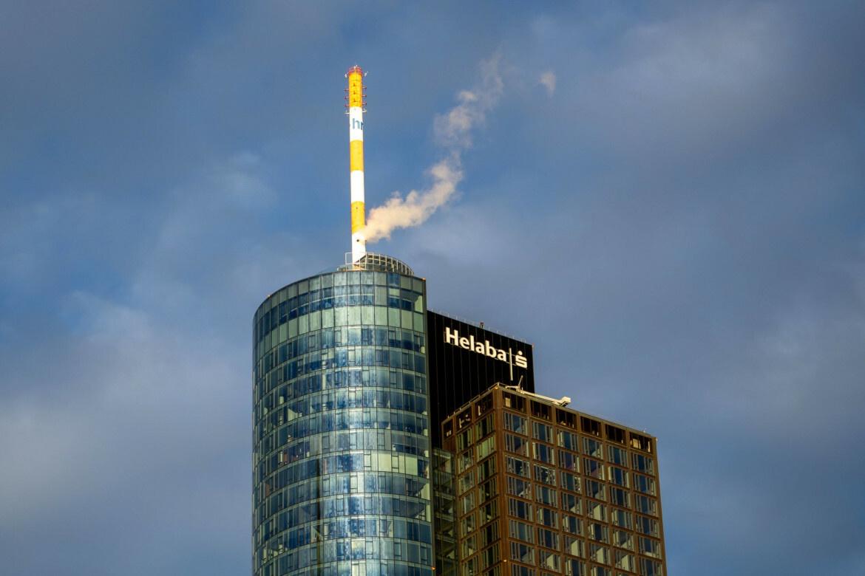 Der Main Tower ist ein Wolkenkratzer in der Innenstadt von Frankfurt am Main und Hauptsitz der Landesbank Hessen-Thüringen.