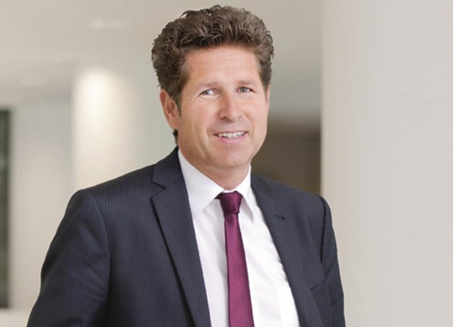 Gabriel von Canal ist Leiter Vertrieb und Generalbevollmächtigter der Augsburger Aktienbank