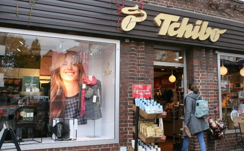 Tchibo-Filiale in Hamburg: Der Kaffeehändler Max Herz gründete mit einem Partner 1949 Tchibo. Mit Michael und Wolfgang Herz halten zwei seiner drei Söhne heute einen Großteil der Anteile.