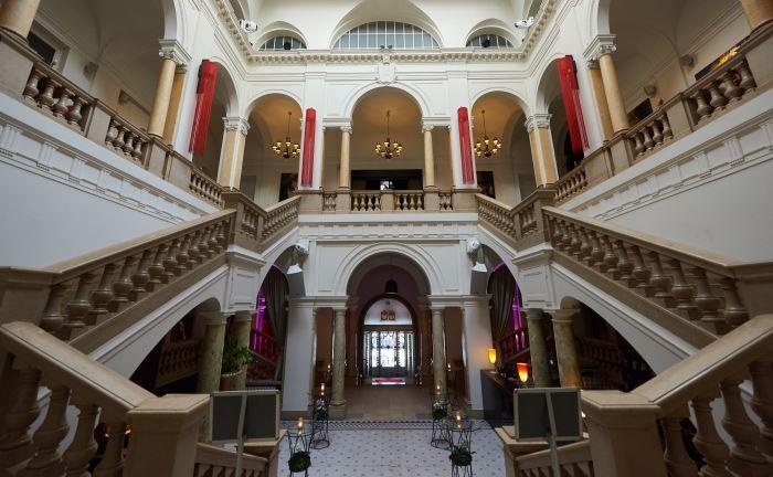 Die Eingangshalle des Kameha Suite in Frankfurt am Main: Neben Frankfurt präsentierte Lyxor die Studienergebnisse auch in München und Wien.