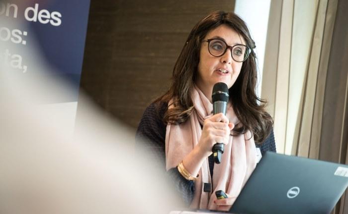 Marlène Hassine Konqui, Leiterin des ETF Research, erläutert die Studienergebnisse in München.