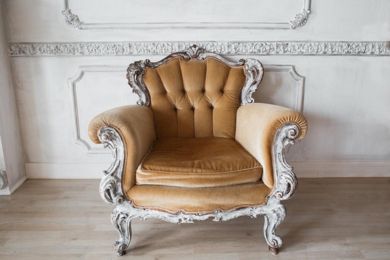 Antike Sitzgelegenheit: Luxus-Möbel sind beliebte Sammlerstücke.