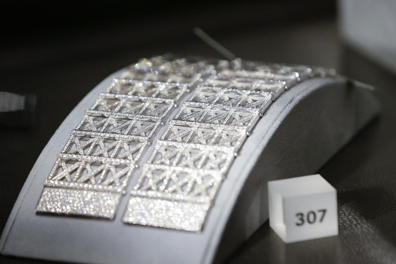 Zwei diamantbesetzte Hermés-Armbänder: Der Schmuckmarkt wurde 2020 durch die Pandemie leicht gebremst.