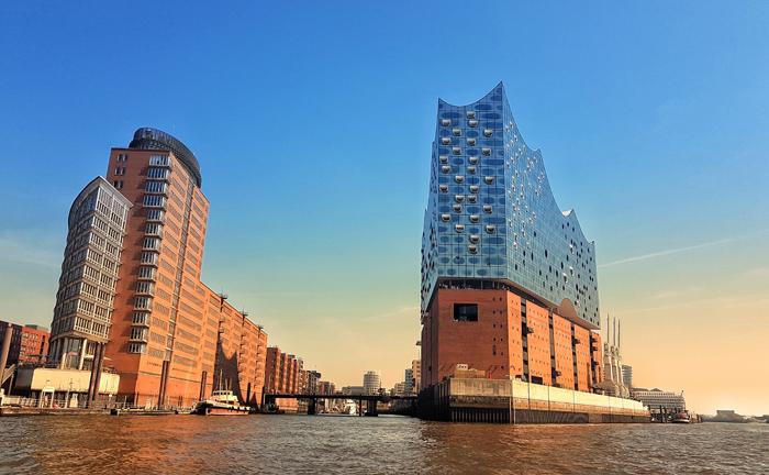 Hamburg: Mit 38.600 Euro pro Quadratmeter erzielte eine Eigentumswohnung in der Hamburger Elbphilharmonie den höchsten Preis der sieben betrachteten Städte.