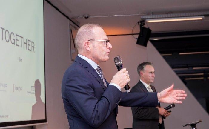 Bilden mit ihren Unternehmen die Fuchs | Richter Prüfinstanz: Dr. Jörg Richter (l.) von der Dr. Richter Unternehmensgruppe und Ralf Vielhaber, Geschäftsführer des Verlags Fuchsbrief, eröffnen den Gipfel. .