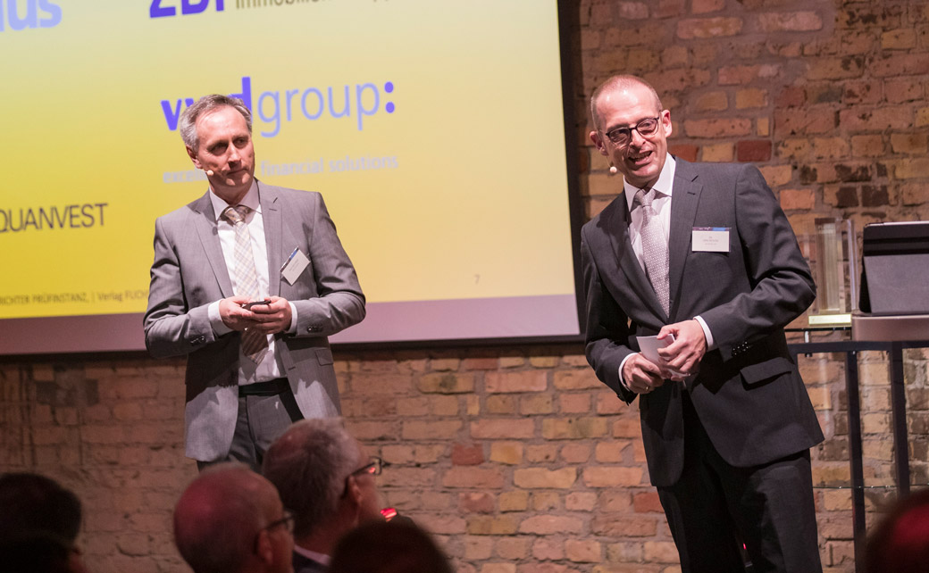 Bilden mit ihren Unternehmen die Fuchs | Richter Prüfinstanz: Dr. Jörg Richter (r.) von der Dr. Richter Unternehmensgruppe und Ralf Vielhaber, Geschäftsführer des Verlags Fuchsbriefe.