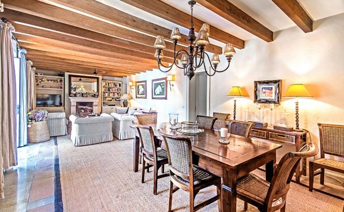 Die aktuellen Eigentümer legten bei der Medernisierung von Son Sastre viel Wert auf den Erhalt der besonderen Atmosphäre des Anwesens.