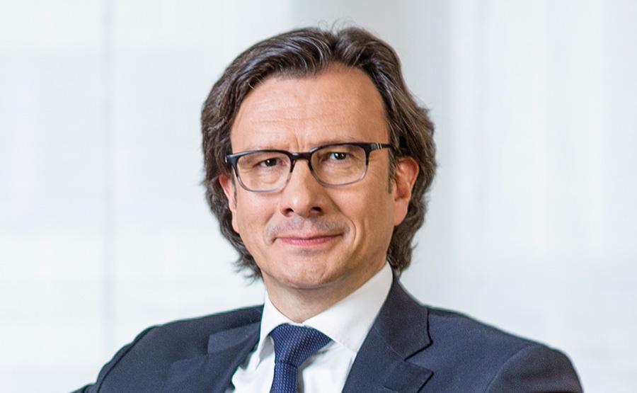 Den Anfang macht Klaus Siegers, Vorstandsvorsitzender der Weberbank: Er wurde von den befragten Wealth Managern der Marktregion Berlin als Vorbild genannt.