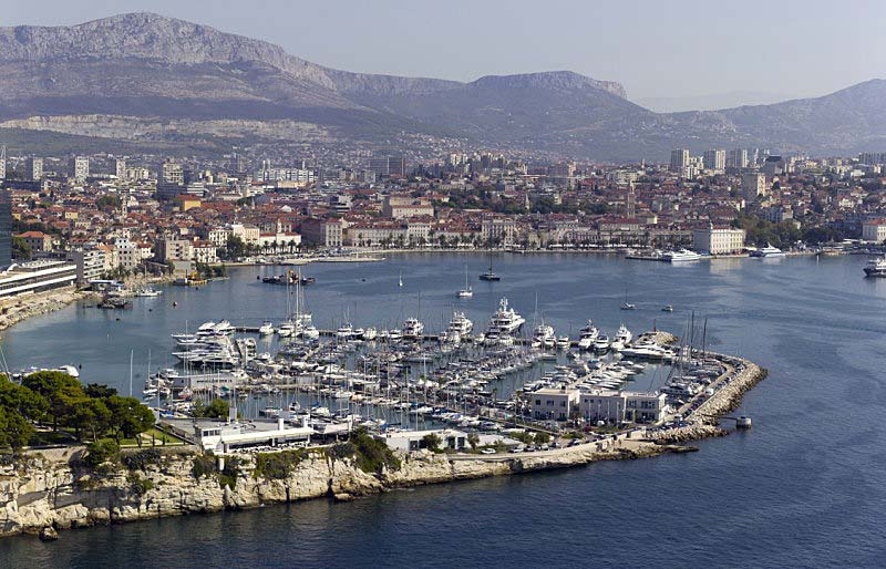 An 8. Stelle findet sich mit 1.320 Euro der ACI Marina Split an der kroatischen Adriaküste, der im Vergleich zum Vorjahr zu den Liegeplätzen mit den am stärksten gestiegenen Gebühren zählt