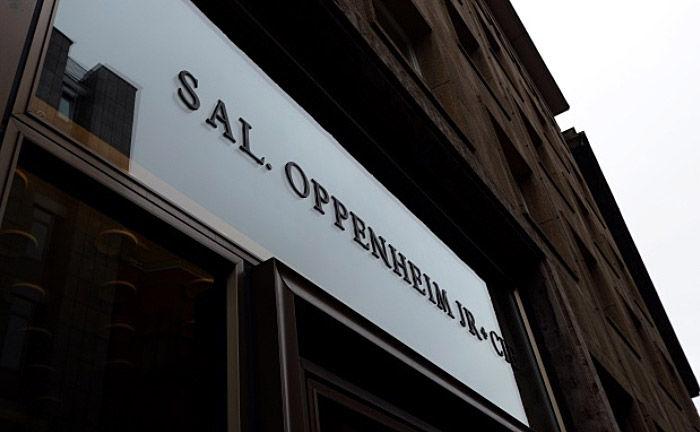 Schriftzug der Sal. Oppenheim: Die Kölner Privatbank bietet im branchenübergeifenden Vergleich einen überdurchschnittlich guten Service.