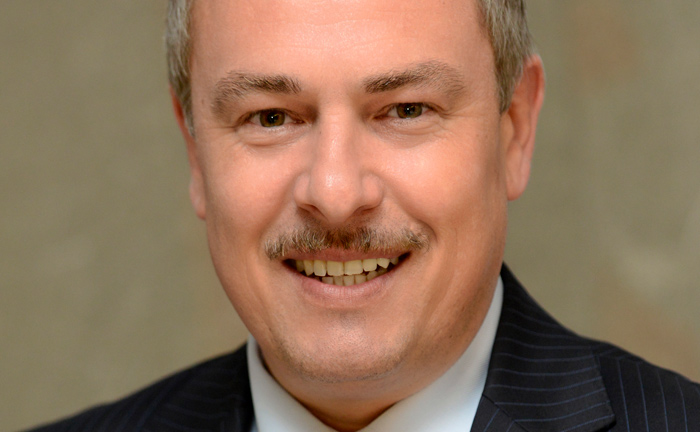 Uwe Krönert gründete Anfang 2016 die Luxemburger Personalvermittlung Krönert & Partner. Er ist selbst Certified Financial Planner (CFP) und Vorstandsvorsitzender des Vereins Financial Planner Luxembourg.