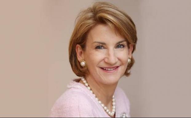 Sally Tennant, Chefin von Kleinwort Benson