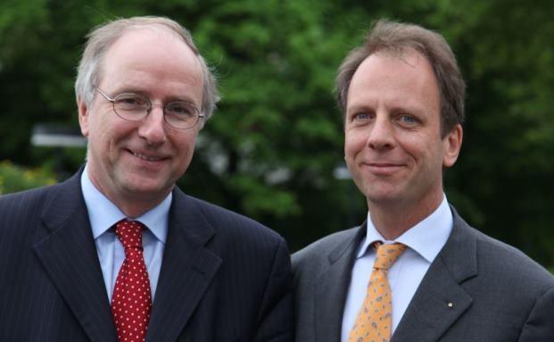 Dr. Wilhelm Krull (links), Vorstandsvorsitzender des Bundesverbandes Deutscher Stiftungen und Prof. Dr. Hans Fleisch, Generalsekretär des Bundesverbandes Deutscher Stiftungen