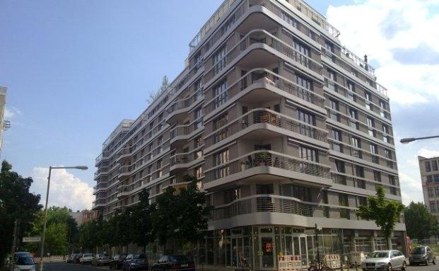 """Wohnhaus in der Berliner Seydelstraße, Ecke Neue Grünstraße aus dem Portfolio des Immobilien-Spezialfonds """"Städte und Wohnen"""" von Aberdeen Asset Management"""