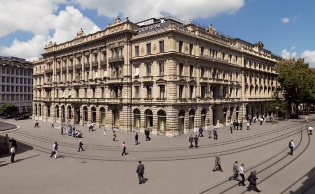 Hauptsitz der Credit Suisse Gruppe am Paradeplatz in Zürich: Die Bank übernimmt das Private-Banking-Geschäft von Morgan Stanley in Großbritannien, Italien und Dubai. Dafür hat sie ihre deutsche Private-Banking-Sparte an ABN Amro Group verkauft.|© Credit Suisse