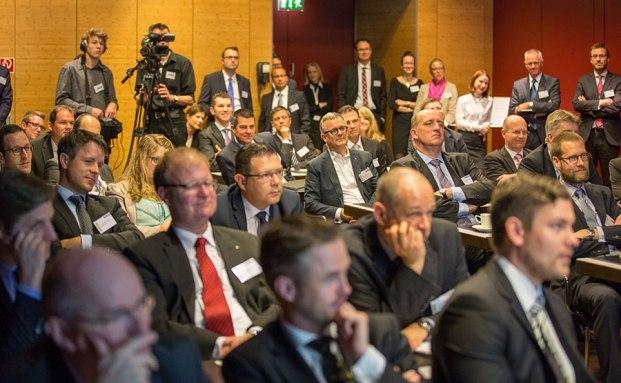 Die Teilnehmer des private banking kongress 2014 während eines Expertenvortrags (Foto: Christian Scholtysik, Patrick Hipp)