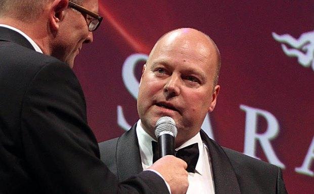 Frank Niehage, damals noch bei der Bank Sarasin, bei der Übergabe des Deutschen Nachhaltigkeitspreises 2009 in der Kategorie