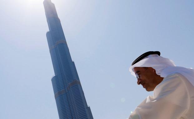 Mohammed Alabbar, Vorsitzender des Immobilienentwicklers Emaar Properties, begutachtet sein Prestige-Objekt Burj Khalifa. Emaar Properties ist eine der größten Positionen im Frontier-Markets-Fonds von Schroders|© Bloomberg