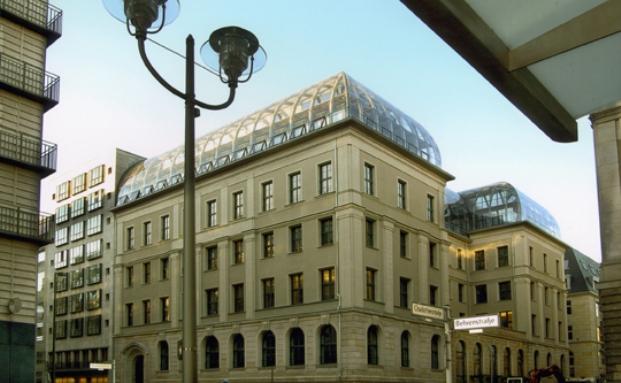 Sitz des Deutschen Sparkassen- und Giroverbandes in Berlin: Bald eine Zentralinstanz fürs Krisenmanagement?