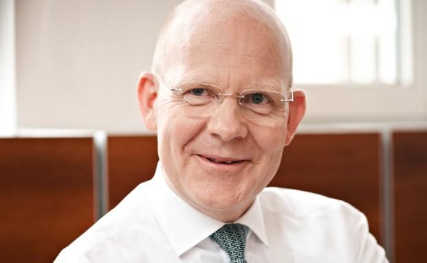 Horst Schmidt, Vorstandsvorsitzender der Bethmann Bank, erklärt künftige Projekte seines Hauses