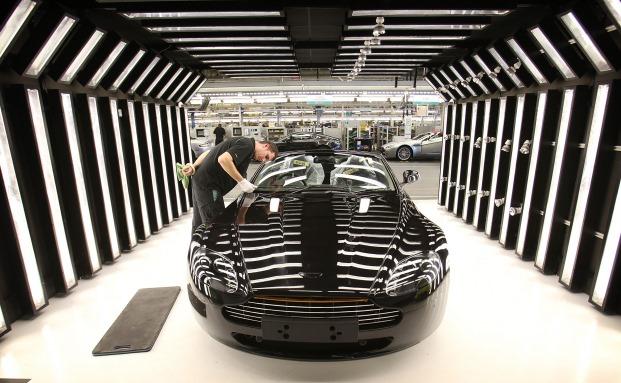 Wer sich wie James Bond fühlen will: Auch ein Aston Martin DB9 ist auf dem Bloomberg-Flohmarkt im Angebot.|© Bloomberg