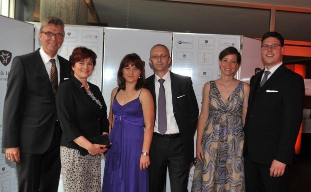 Die drei Gründer von Hansen & Heinrich mit ihren Ehefrauen: Peter-Detlef Hansen (links), Andreas Heinrich (mitte) und Timon Heinrich