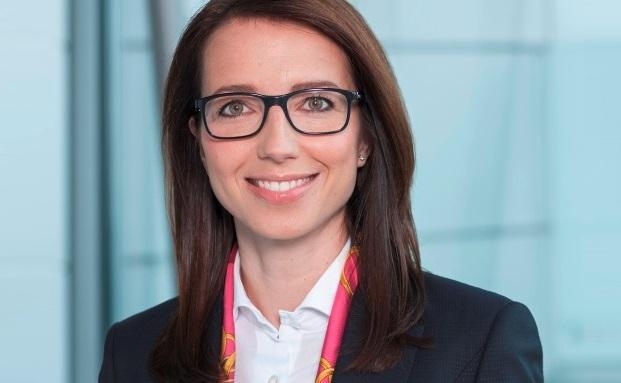 Jenny Friese steigt in den Bereichsvorstand der Commerzbank auf