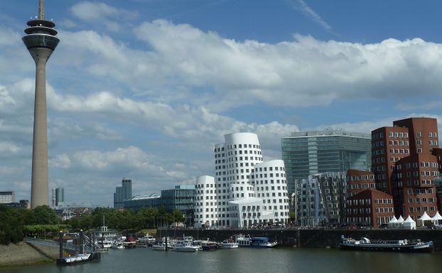 Am Beispiel eines Düsseldorfer Mietshauses lassen sich Vor- und Nachteile von Zinshäusern durchspielen|© Pixelio