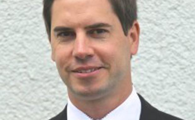 Florian Grenzbach verstärkt das Vertriebsteam bei der V-Bank