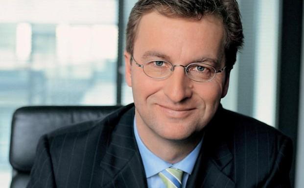 MLP-Chef Uwe Schroeder-Wildberg über die Übernahme-Bereitschaft seines Unternehmens