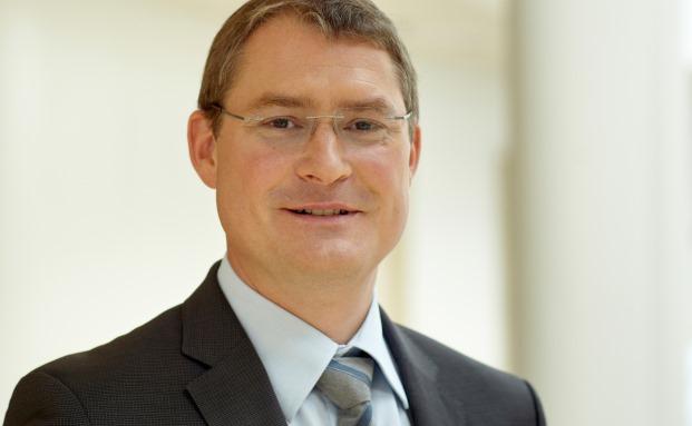 Tom A. Rüsen, Professor am Wittener Institut für Familienunternehmen