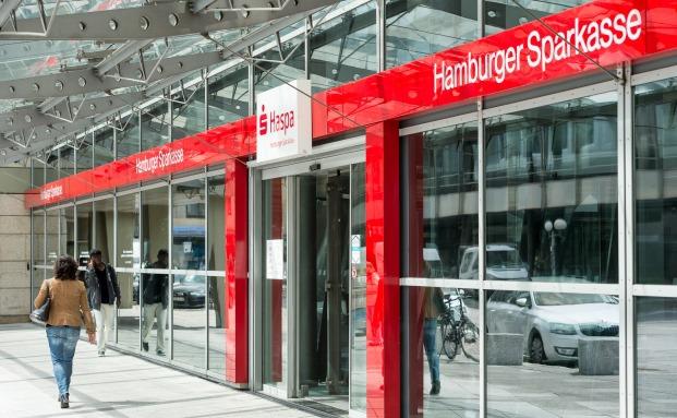 Die Haspa-Zentrale im Herzen von Hamburg am Adolphsplatz