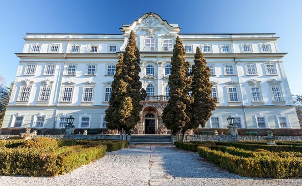 Im Hotel Schloss Leopoldskron in Salzburg findet der 12-tägige FÜhrungkräfte-Lehrgang statt
