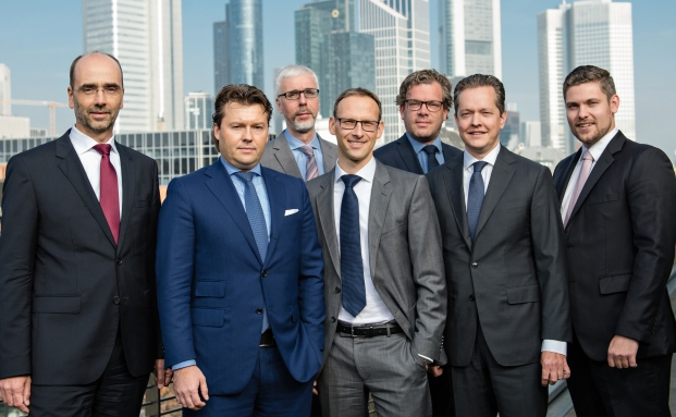 Die Teilnehmer des Roundtables (v.l.): Detlev Kleis, UBS; Marcel Lähn, BHF-Bank; Reinhard Panse, HQ Trust; Björn Siegismund, Laransa PWM; Malte Dreher, private banking magazin; Michael Schütze, Allianz Corporate Pension Advisors; und Ansgar Neisius, private banking magazin  | © Uwe Nölke