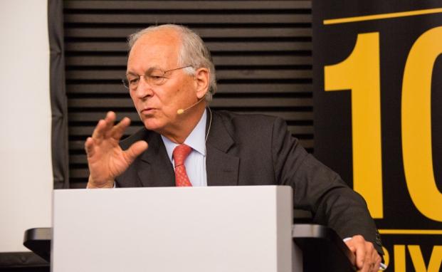 Top-Speaker auf dem 10. Private banking kongress in München: Wolfgang Ischinger, Leiter der Münchner Sicherheitskonferenz, spricht über die geopolitische Weltlage|© C.Scholtysik und P. Hipp
