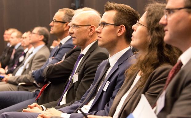 Teilnehmer des 10. private banking kongresses in München|© Christian Scholtysik, Patrick Hipp