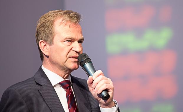 Jens Hagemann, Vorstandssprecher der V-Bank, bei seiner Eröffnungsrede des 6. Münchner Vermögenstags|© Anke Leuschke