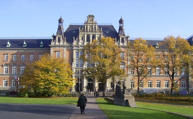 Das Hamburger Strafjustizgebäude, in dem der Fall verhandelt wurde|© Claus-Joachim Dickow