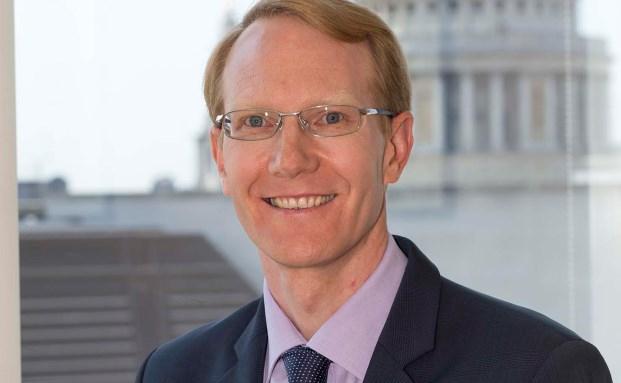 Steve Cordell ist Experte für europäische Aktien und hat über 20 Jahre Erfahrung im Investmentbereich