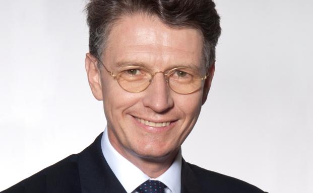 Wolfram Theiss ist Rechtsanwalt und Partner der Rechtsanwaltskanzlei Noerr LLP