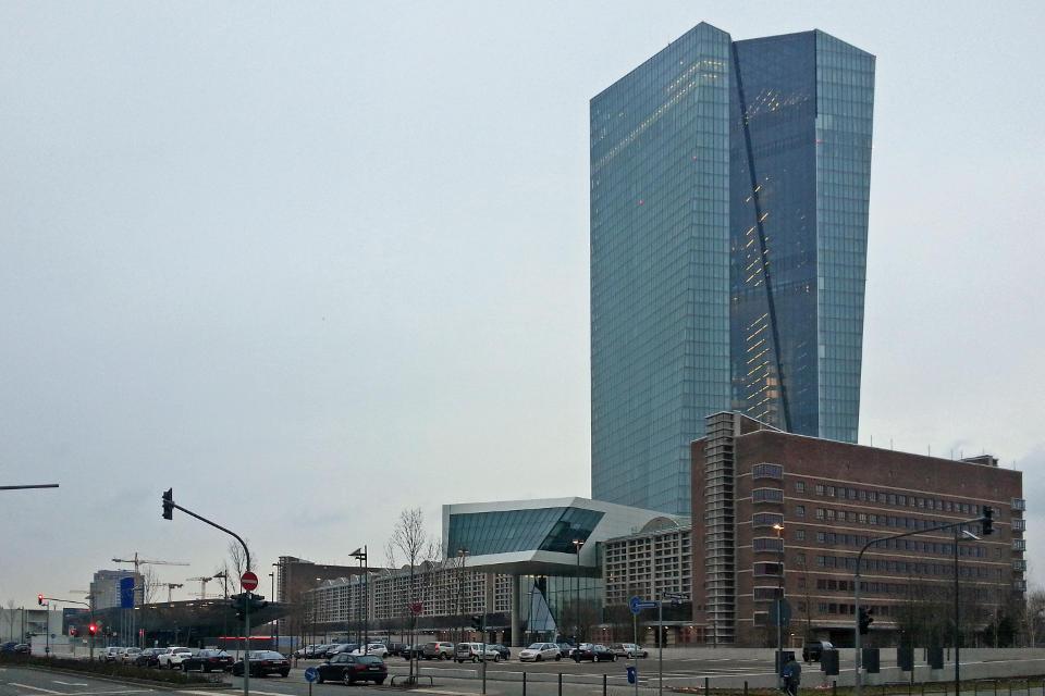 Analyse von Commerzbank Research: Steigende Spannung am Immobilienmarkt