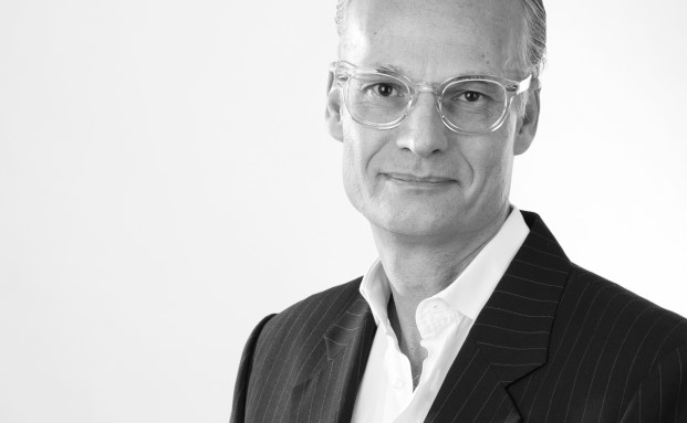 Andy Aeschbach ist selbst im Private Banking tätig. 2013 gründete er die Beratungs- und Coaching-Firma Katana
