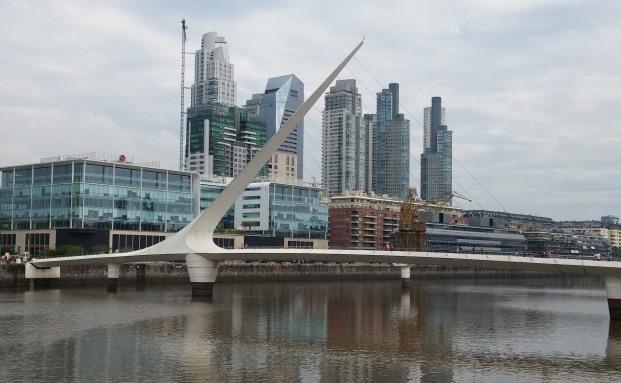 Blick auf den Río de la Plata in Buenos Aires. Lateinamerika zählt zu den wichtigsten Anlageregionen des Danske Invest Emerging Markets Debt Hard Currency Fonds.|© Pixabay