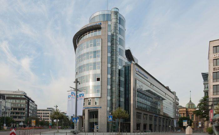 Die Volksbank Stuttgart am Börsenplatz in Stuttgart