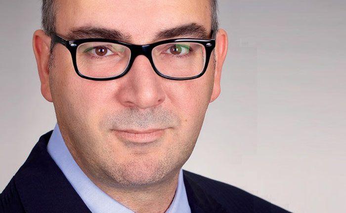 Matthias Hübner ist geschäftsführender Gesellschafter der Minerva Assekuranzvermittlung, einem Spezialisten für D&O- und E&O-Versicherungen