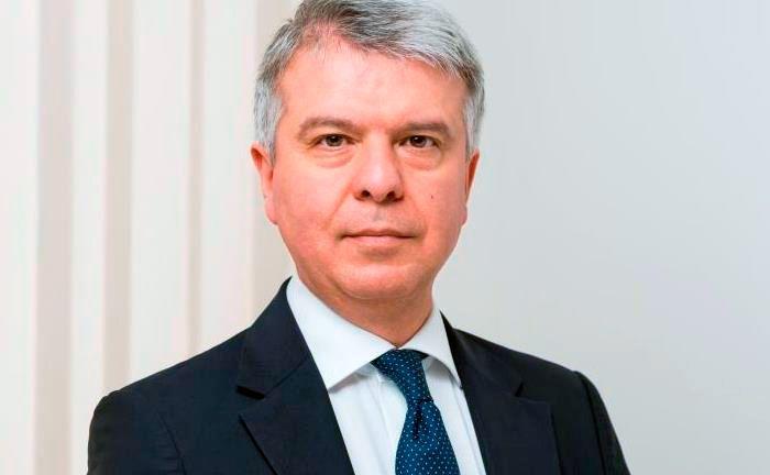 Liegt mit seinem Gehalt im oberen Mittelfeld: Der Generaldirektor der Südtiroler Sparkasse Nicola Calabrò |© Südtiroler Sparkasse