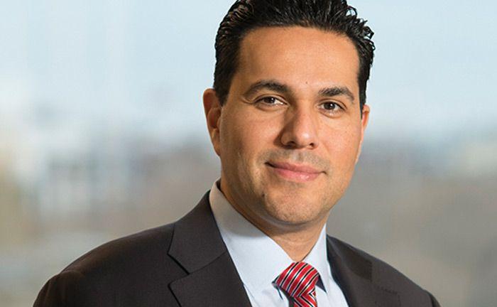 Alejandro Arevalo ist seit Dezember 2016 als Anleihemanager für Schwellenländer bei Jupiter AM tätig